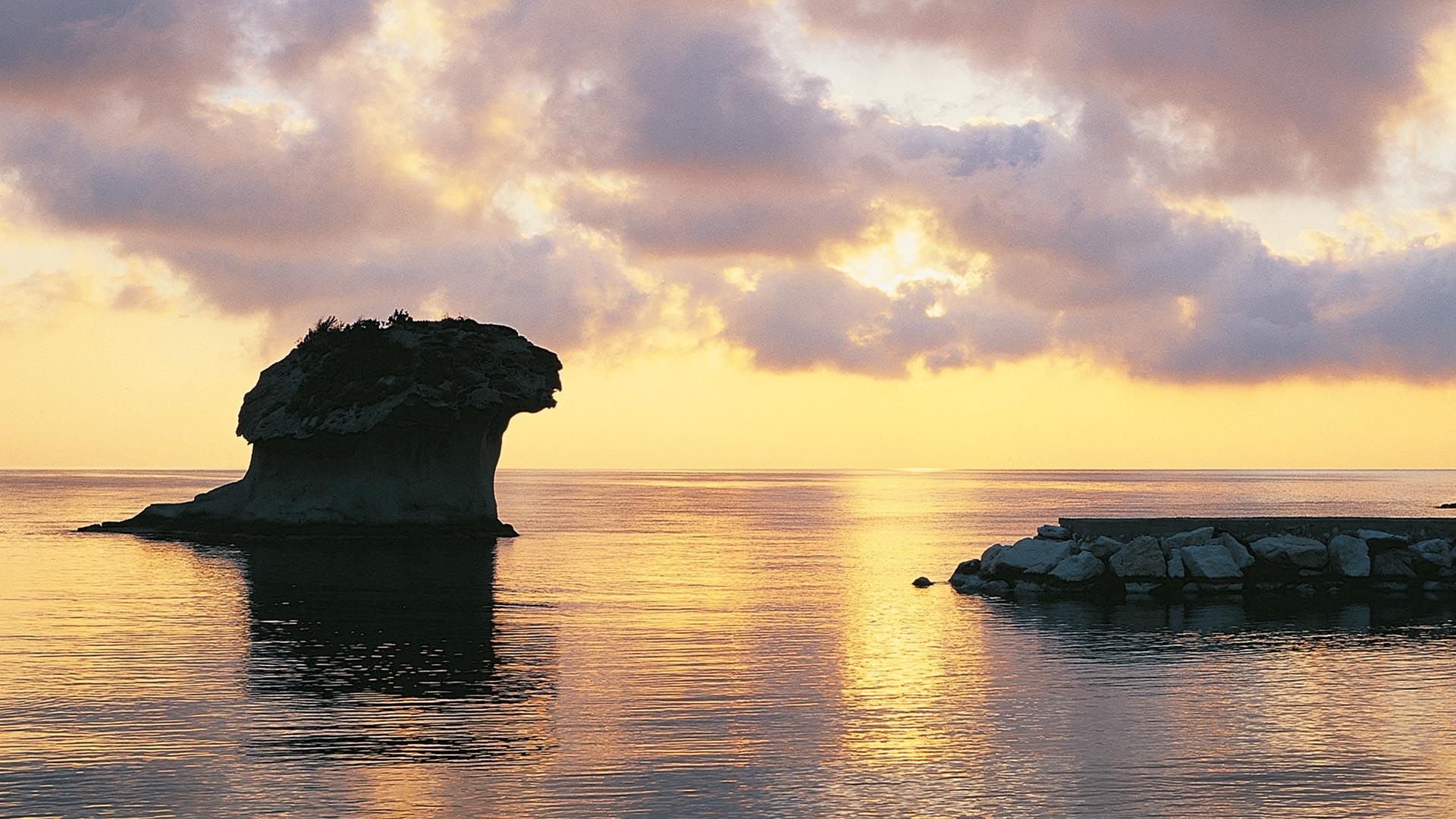 ischia-rocks