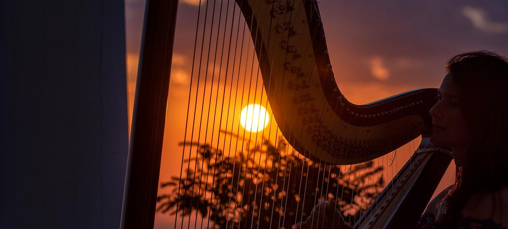 san-montano-resort-serata-tramonto-musica-arpa