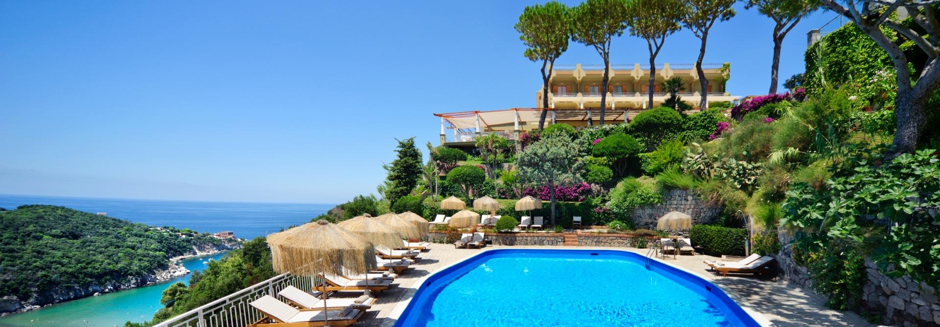 pool-&-sea-ischia